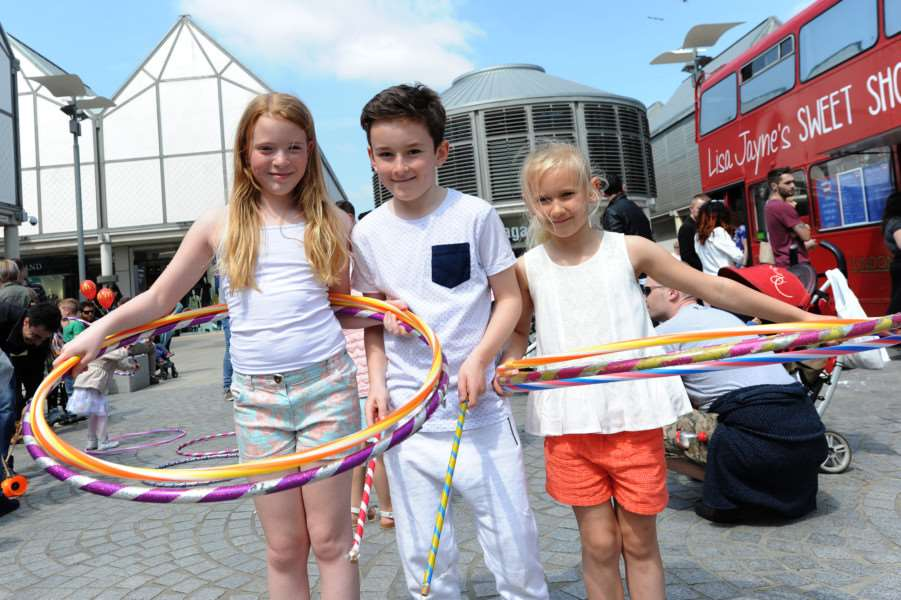 Whitsun Fayre''Pictured: Ashle Harmer (9), Callum Sheppard (12) and Mini Saunders (6) practicing their circus skills ANL-160530-194927009