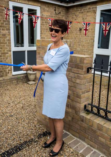 MP Jo Churchill cuts the ribbon to officially open Larkbridge Mortgages' new office in Flempton ANL-160927-105136001