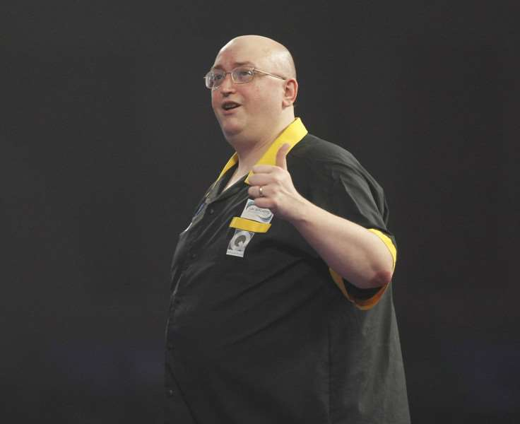 WILLIAM HILL WORLD DARTS CHAMPIONSHIP 2016'ALEXANDRA PALACE,LONDON'PIC;LAWRENCE LUSTIG 'ROUND 1'ANDREW GILDING V GERWYN PRICE'ANDREW GILDING IN ACTION