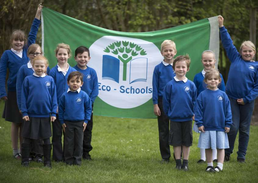 Walsham le Willows primary school scoops Green Flag award'Eco club with the flag.'Picture Mark Westley ANL-160419-170219009