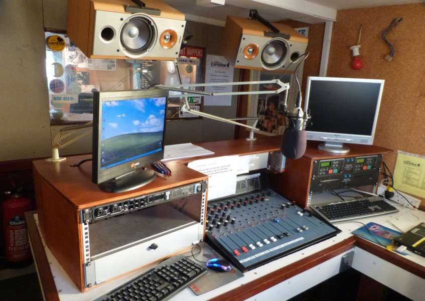 This studio on Radio Caroline's ship Ross Revenge broadcast to Holland in the 1980s but is now used for digital broadcasts over 1368Khz as Radio Caroline North ANL-171001-163028001