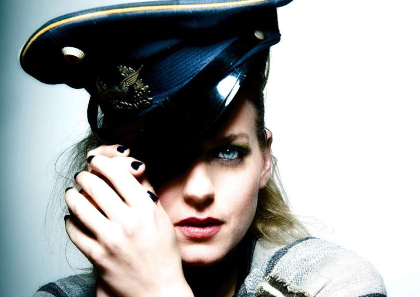 Award-winning blues artist Jo Harman ANL-150901-130146001