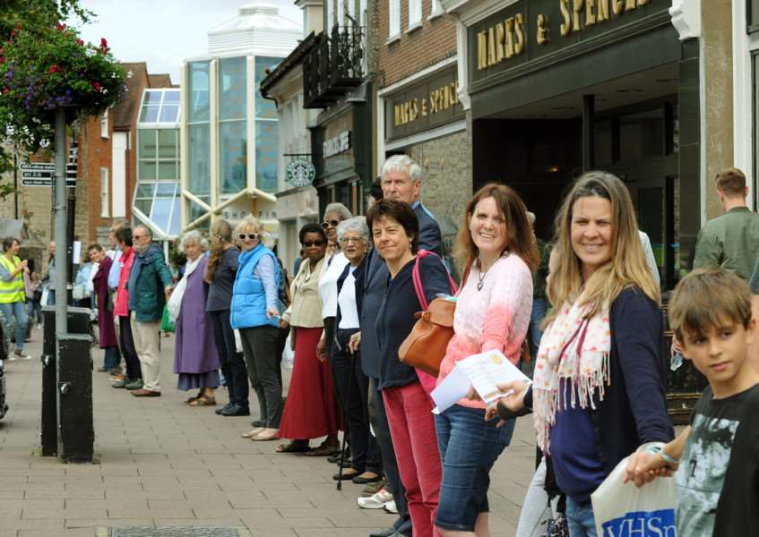 The 1st Bury St Edmunds Human Chain of Hope from the Angel Hill and Buttermarket on Sunday ANL-160926-072858009