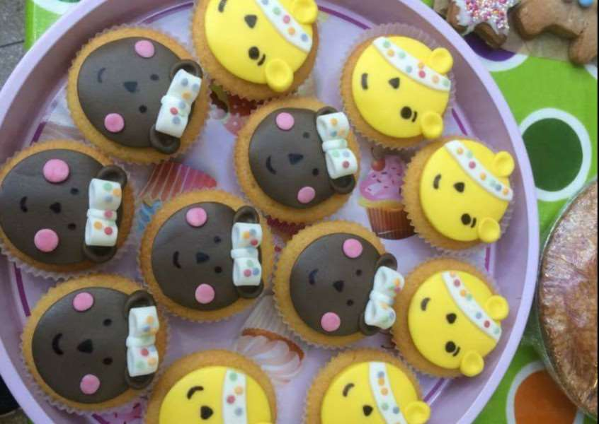 Cake sale at Little Angels Parent and Toddler Group for Children in Need ANL-161122-122342001