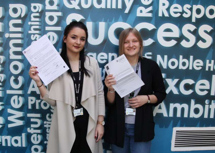 Niamh Keeling and Tonia Lawes have been given an opportunity to study at two of the UK's top universities. ANL-160505-164836001