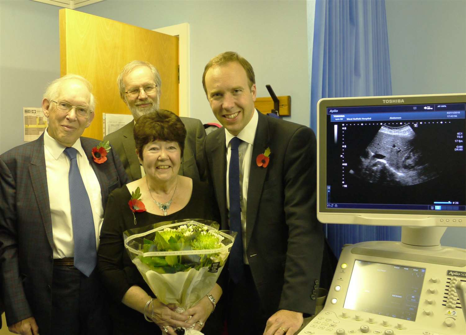 From left; Ivor McLatchy, Nigel Beeton, Betty McLatchy and Matt Hancock MP with 'Lewis' the new ultrasoud machine at Christmas Maltings practice in Haverhill (5209765)