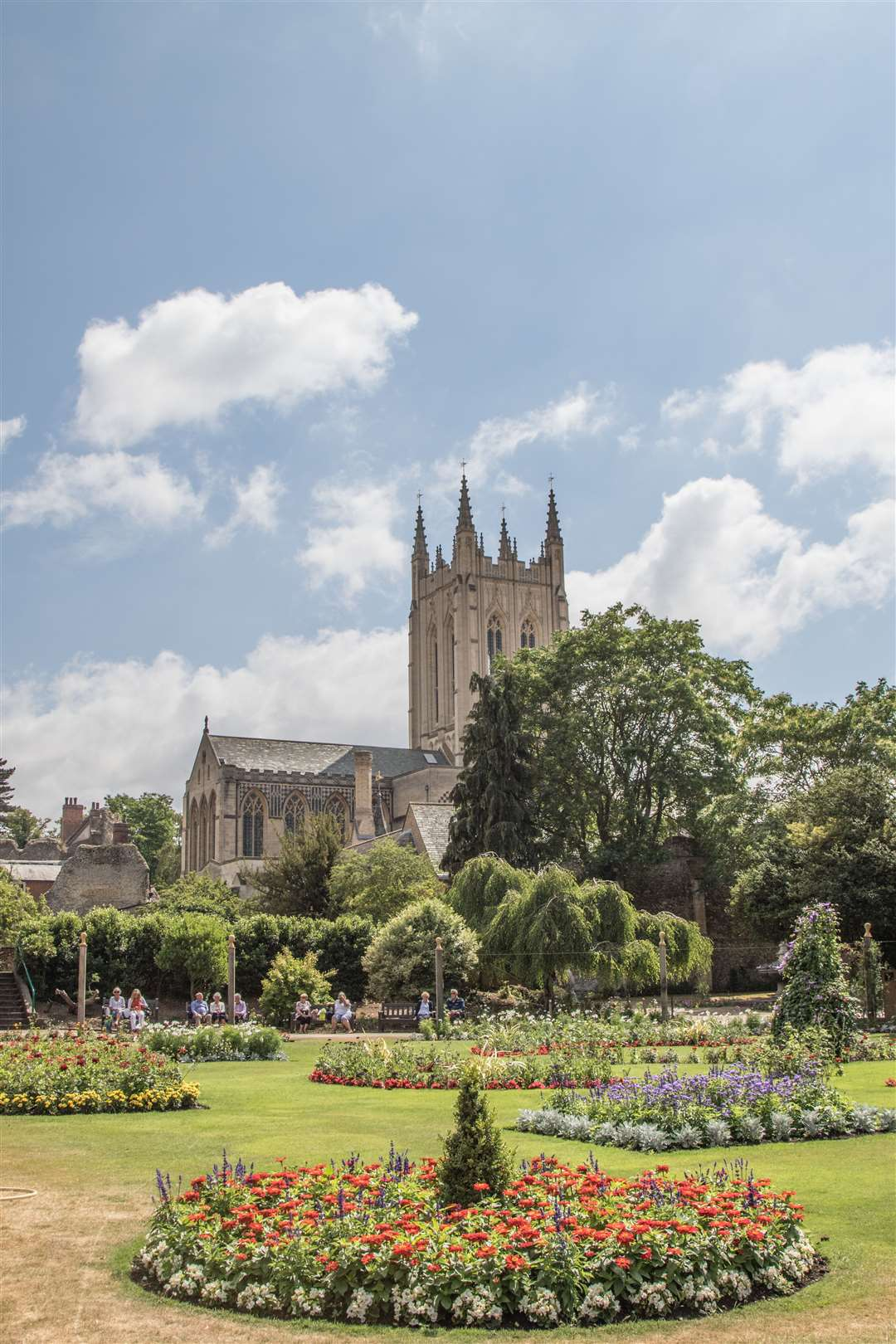 A view of the Abbey Gardens in Bury St Edmunds. (11507820)