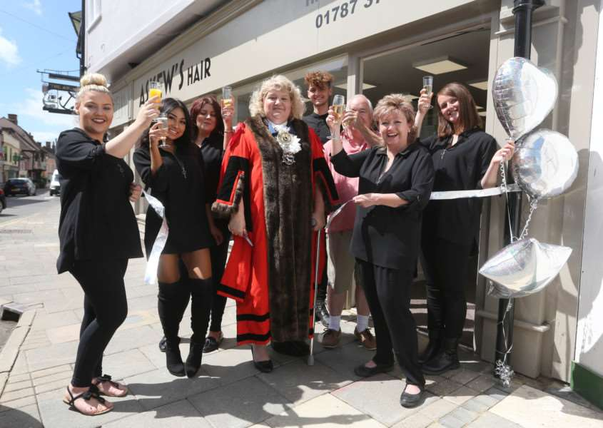 Linda Askew is joined by the Mayor of Sudbury, Sarah Page and salon staff members celebrate the opening of her new hair salon in Sudbury.'Pic - Richard Marsham