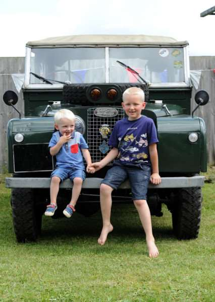 Milford Crank Up''Pictured: Tyler (2) and Louis (7) Littleboy with their grandparents Land Rover ANL-160307-182707009