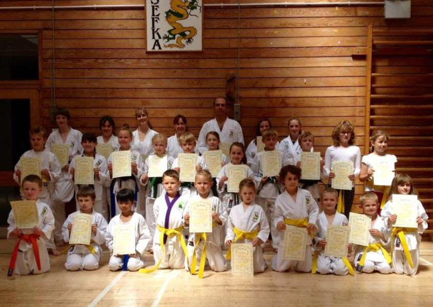 Sudbury students with their certificates and new belts