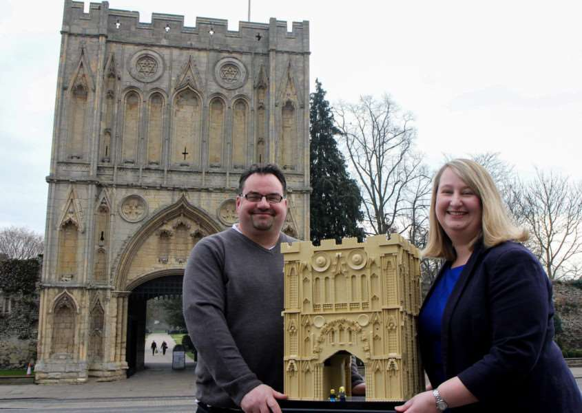 A lego brick replica of Bury St Edmunds' Abbey Gate has gone on display at Moyse's Hall Museum ANL-160323-125358001