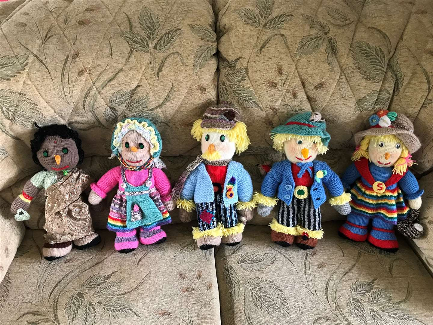 Knitted scarecrows (2546658)