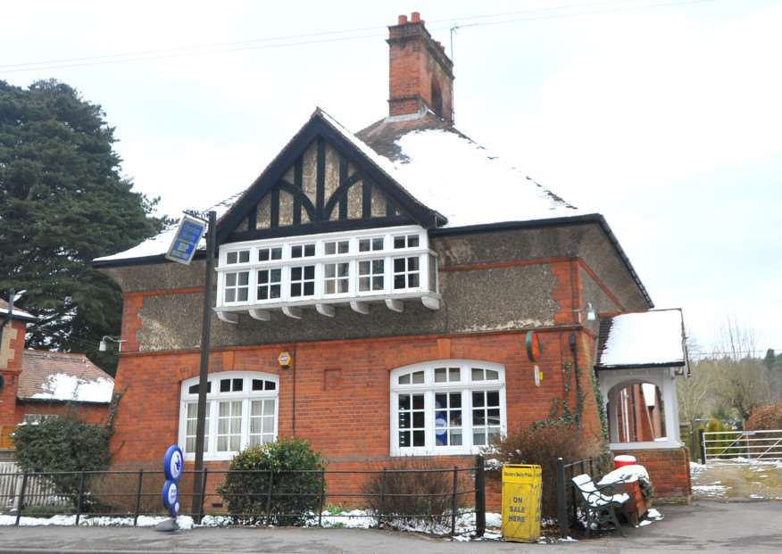 Pictures from around Elveden. Post office and store. ENGANL00120130325153117