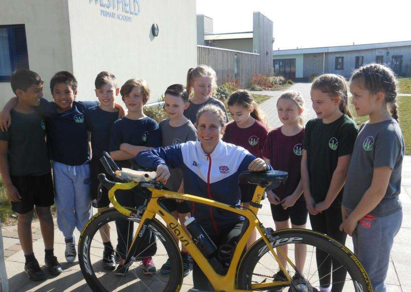 Paralympian Claire Cunningham visits Westfield Primary School. ANL-160329-093310001