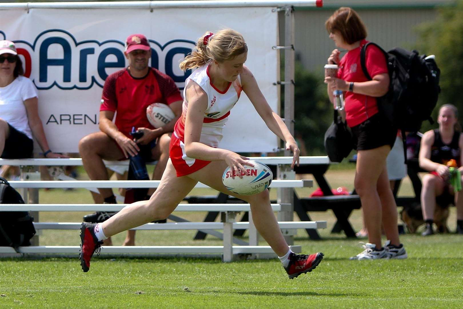Lucy Norburn scoring a try for England Women at the 2018 European Touch Rugby Championships in Nottongham, where the side went on to win gold (6708825)