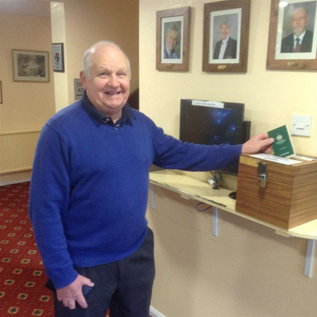 Thertford Golf Club's John Baldwin recorded the first hole-in-one of his 40-year golfing career at the third (6155935)