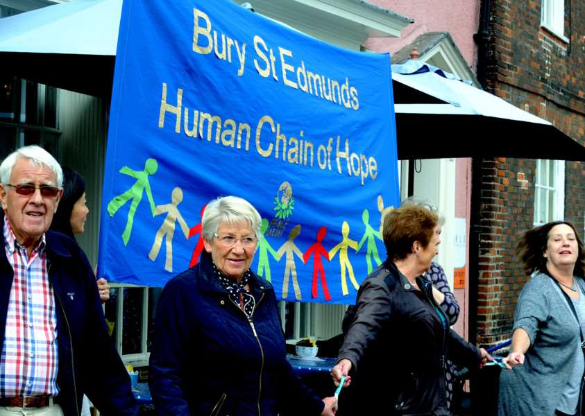 The 1st Bury St Edmunds Human Chain of Hope from the Angel Hill and Buttermarket on Sunday ANL-160926-073046009