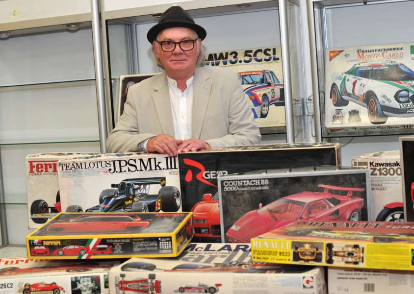 Terry Pastor, the artist behind iconic David Bowie album covers Ziggy Stardust and Hunky Dory, is selling his large collection of model car kits ANL-151008-203846009