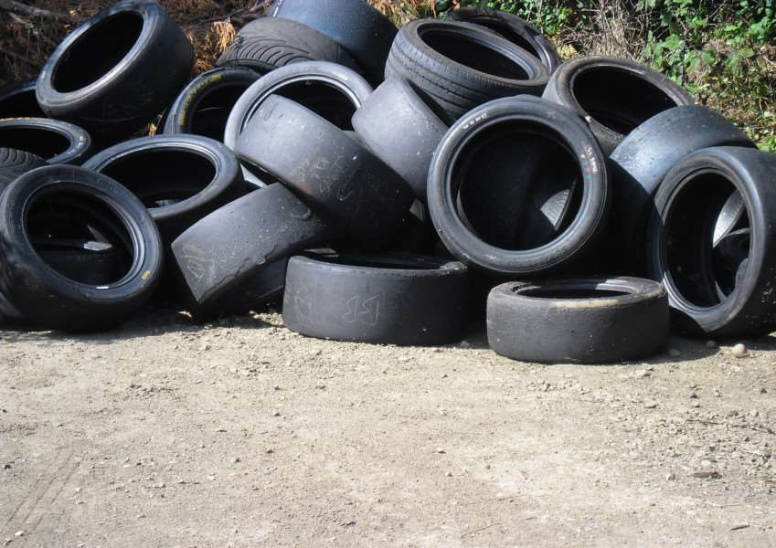 Tyres dumped at Creeting St Mary