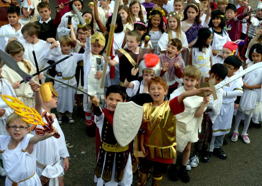 Ancient Greece experience for Key Stage 2 pupils at Hardwick Primary School in Bury St Edmunds ANL-151019-101424009