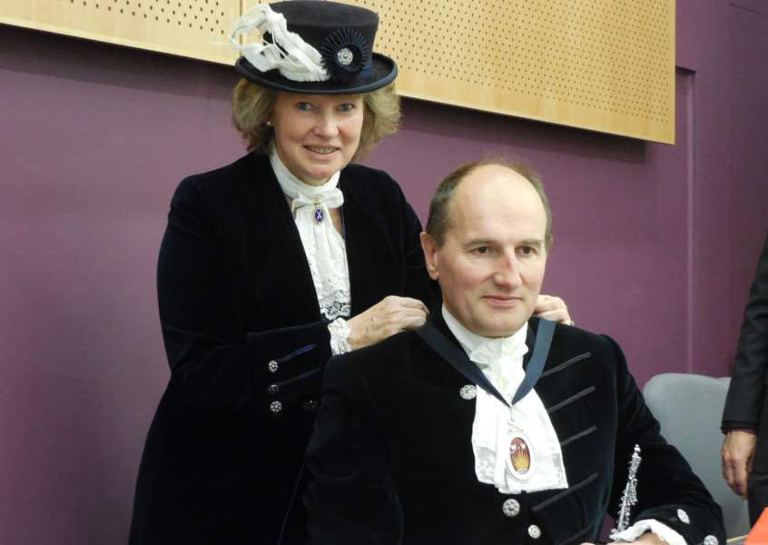 Judith Shallow handing over the High Sheriff's badge to her successor William Kendall ANL-160604-163830001