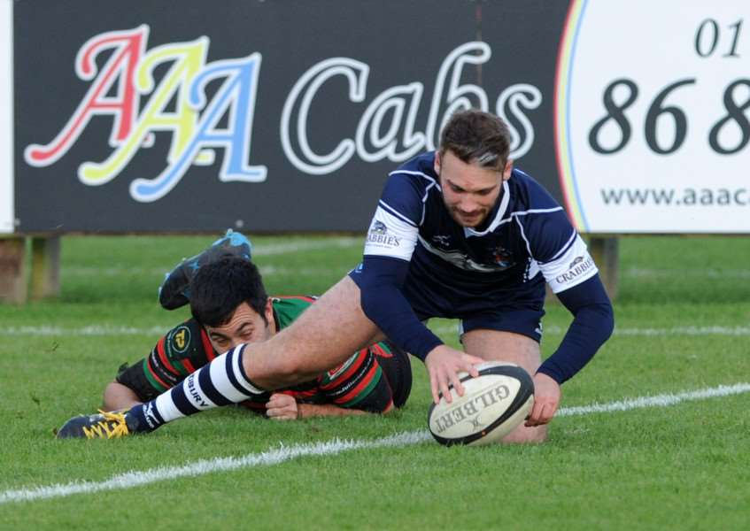 AT LAST: Tom Murray runs in a try during Sudbury's first of the season