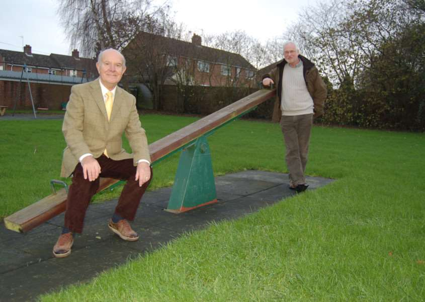 Cllr Clive Pollington and David Taylor at the Hargrave play area ANL-151112-135306001