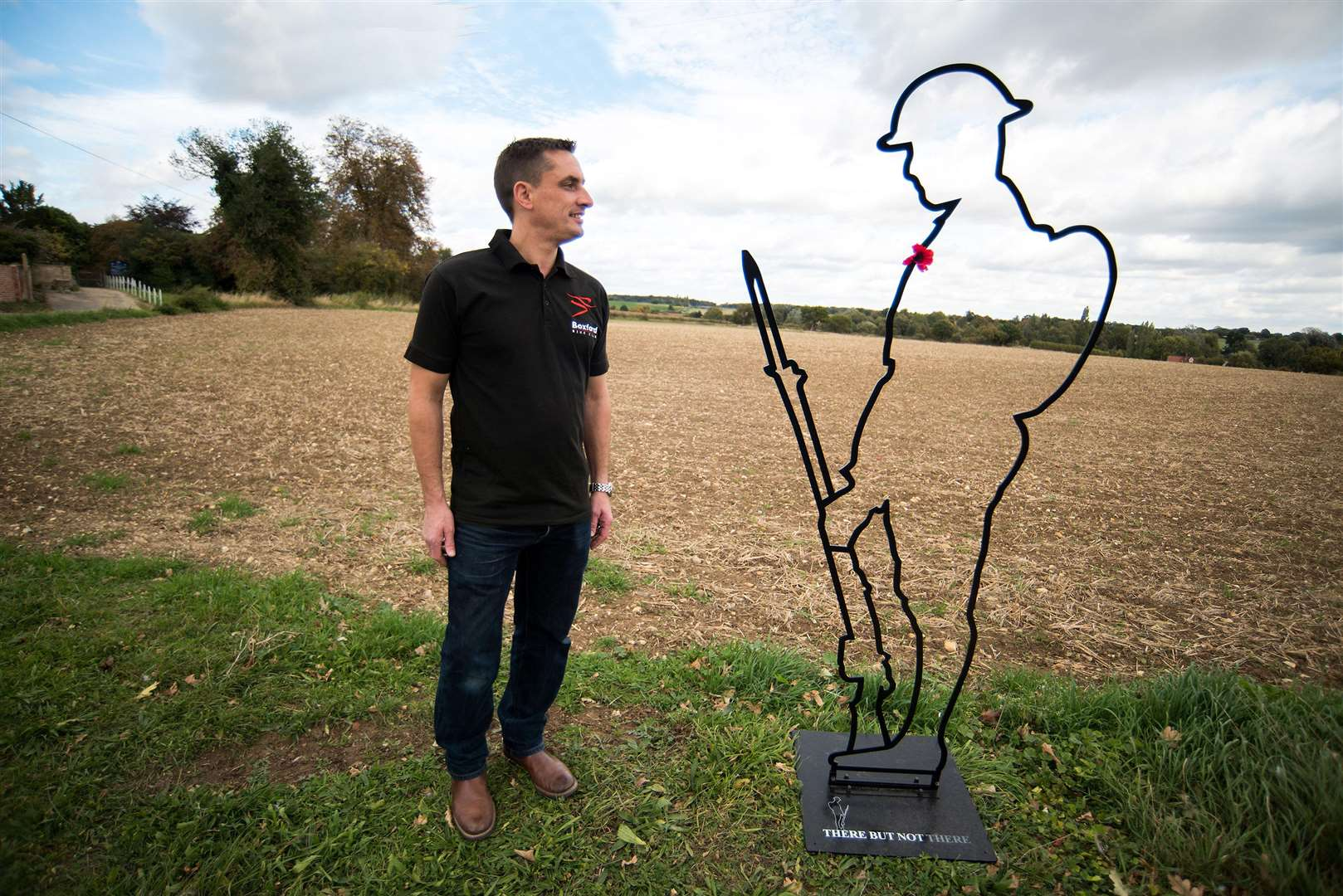 "GROTON: Lifesize sculpture of 'Tommy' to mark centenary of end of WW1..Alan Leeder (butcher from Boxford) with life-size ""Tommy"" outline sculptures to mark the 100 years since the end of WW1. Picture by Mark Westley. (4559403)"