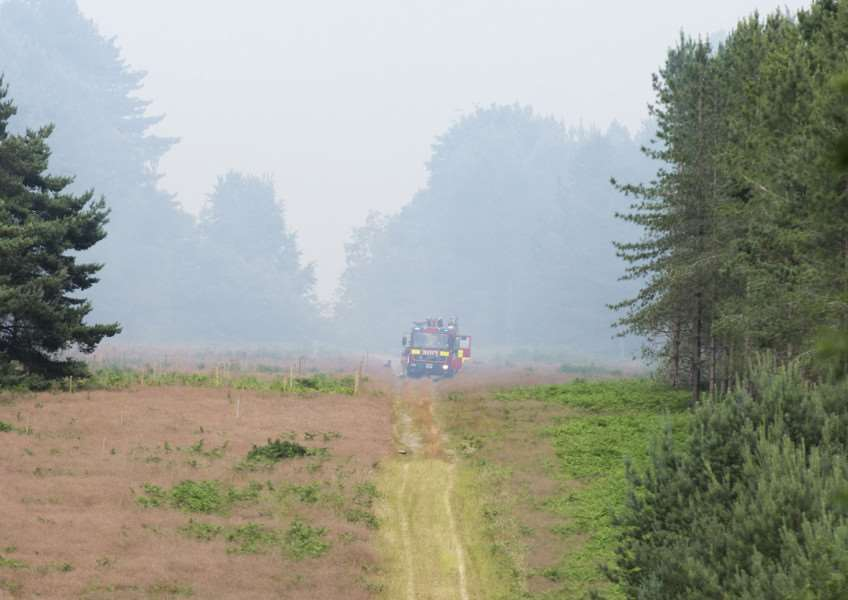 Fire in Thetford Forest B1107'Picture Mark Westley ANL-150107-161643009