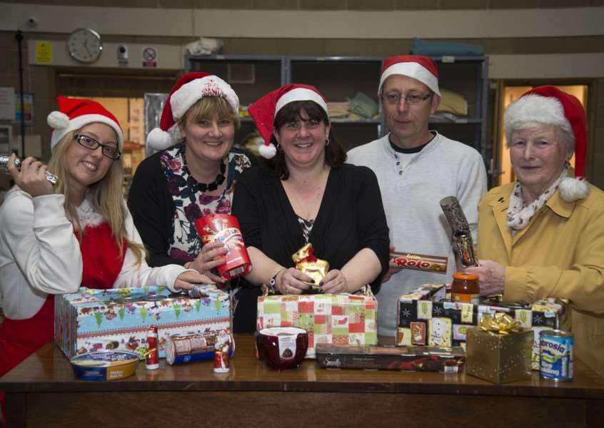 Gatehouse (community project), Dettingen Way Bury St Edmunds volunteers packing in the foodbank'Jo Gooch, Natasha Lux and Clive Williams, Lynn Davies and Amanda Bloomfield.'Picture Mark Westley ANL-150411-205831009