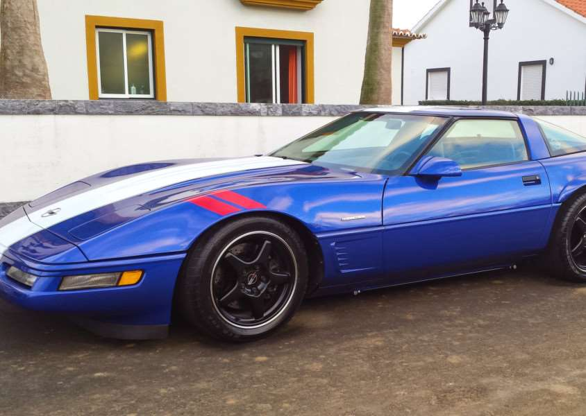 This Chevrolet Corvette was stolen from a driveway in Holywell Row. ANL-151007-150145001