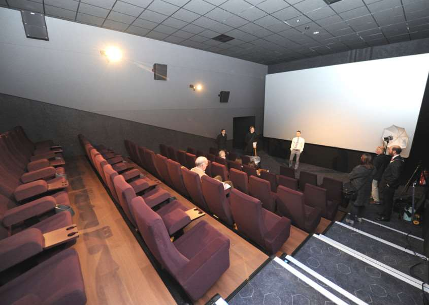 The Light digital cinema experience includes extra wide seating ANL-161128-193142009