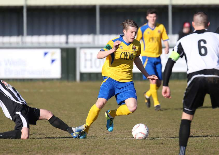 AFC Sudbury v Heybridge Swifts - Sam Clarke races through the midfield.'Pic - Richard Marsham ANL-150703-203714009
