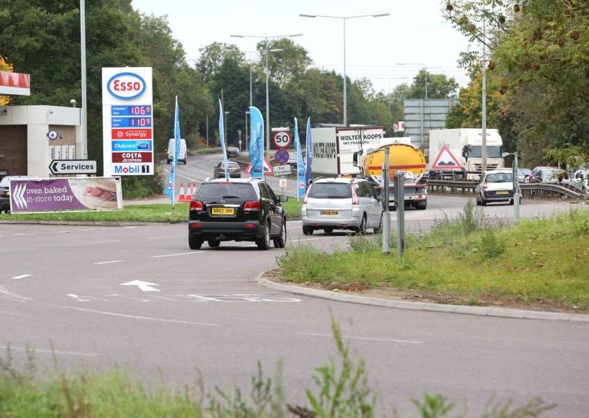 Fiveways roundabout, Barton Mills, will get �400,000 for traffic lights