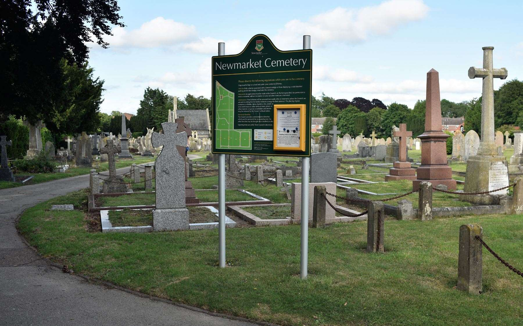 Visitors to Newmarket cemetery are being abused and threatened by members of the travelling community when they visit the graves of their loved ones, a council was told on Monday.
