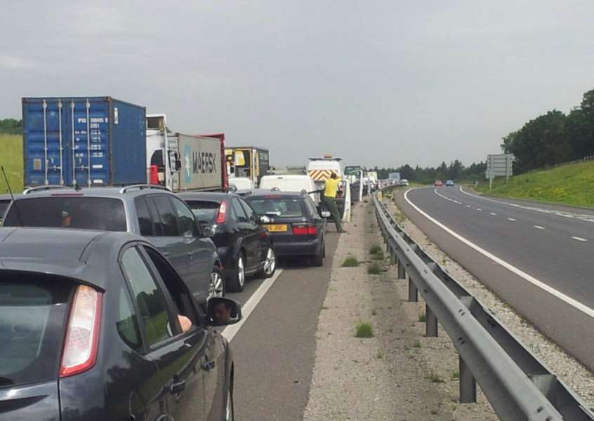 Gridlock on the A14 near Stowmarket ANL-150417-162745001