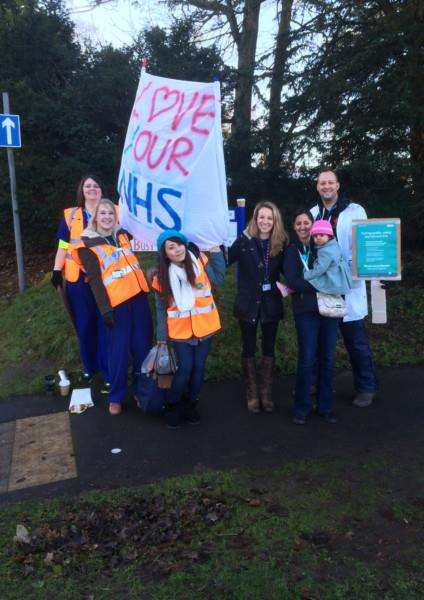 Doctors' picket line at West Suffolk Hospital'Picture by Emma Gordon ANL-160114-114115001