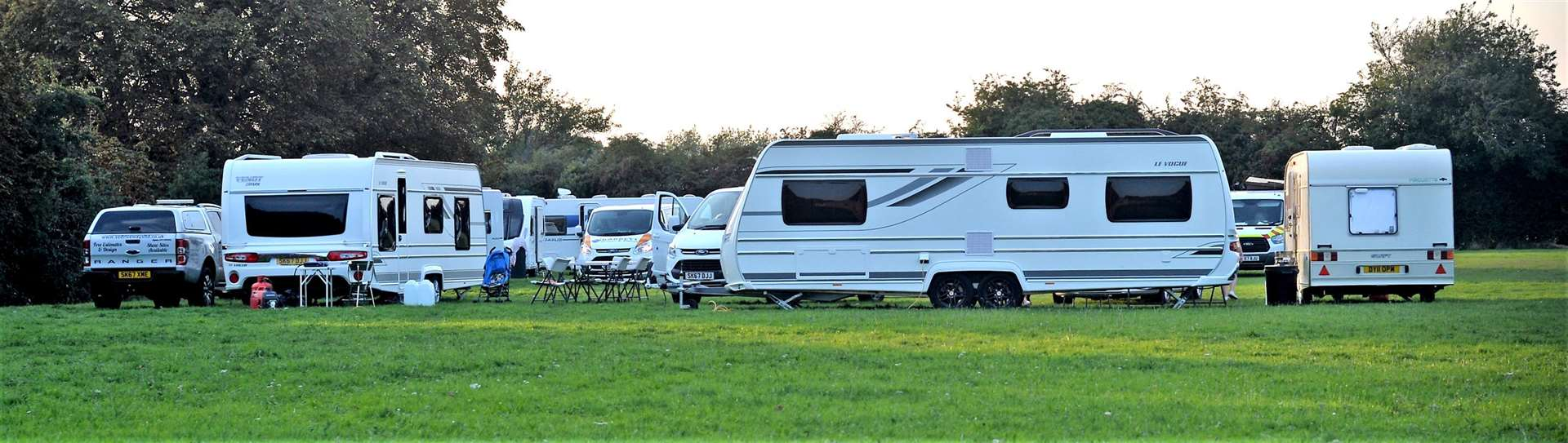 Travellers set up camp at St Felix Middle School, Fordham Road, Newmarket (4184844)