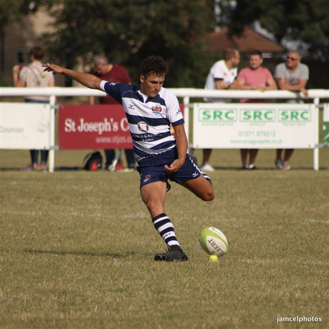 A Sudbury conversion kick to Austin Beckett's second-half try at Colchester failsPicture: Jen McElroy (16705149)