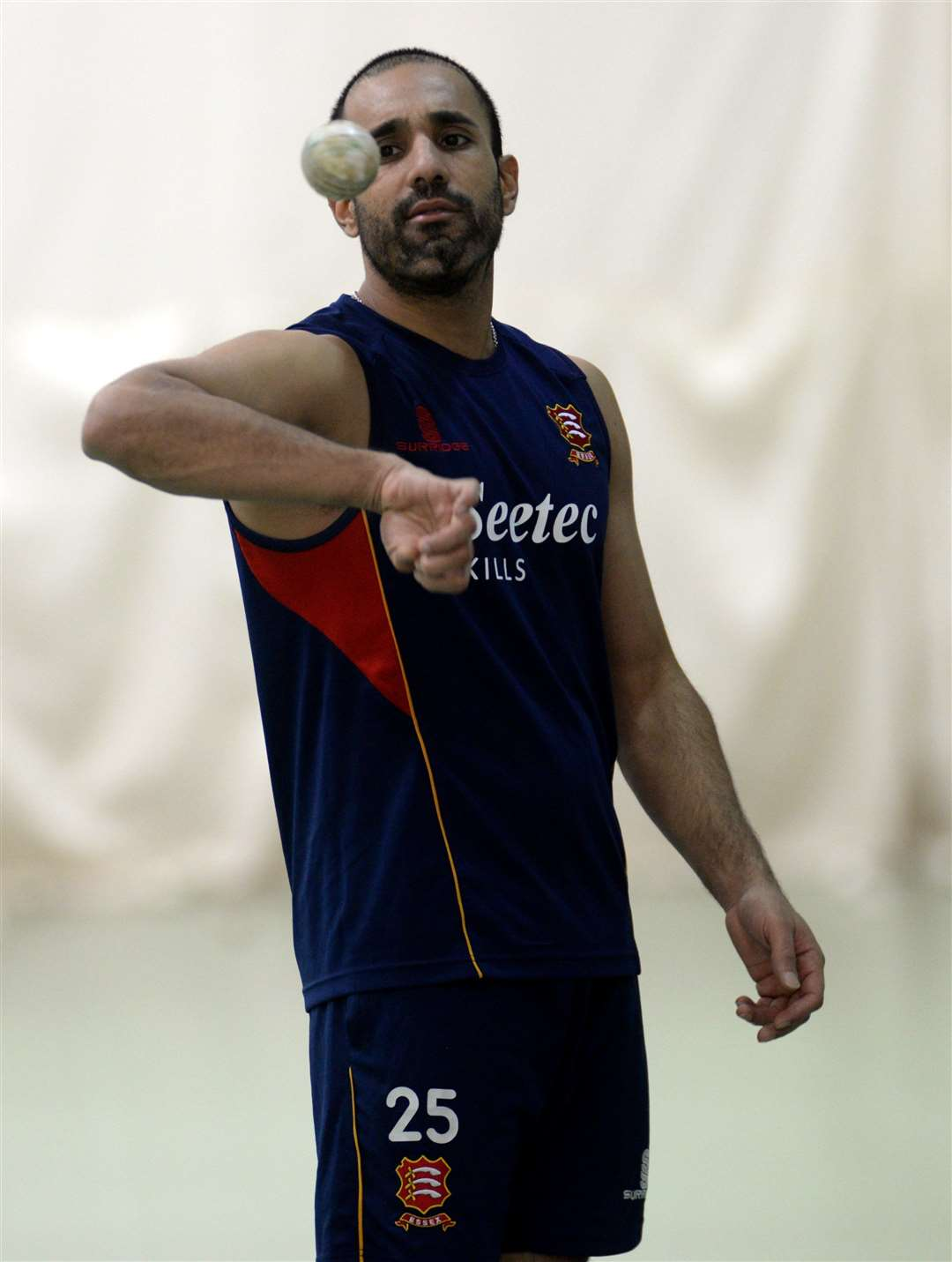 HECC, Rooks Farm, High Wych.Essex CC winter indoor training at the cricket centre. Ravi Bopara. .Pic: Vikki Lince. (15599982)