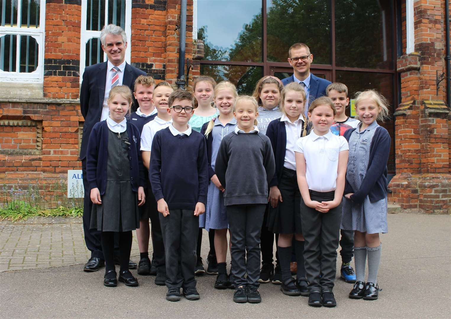 South Suffolk MPJames Cartlidge visits Gemsford Primary Academy (10836045)