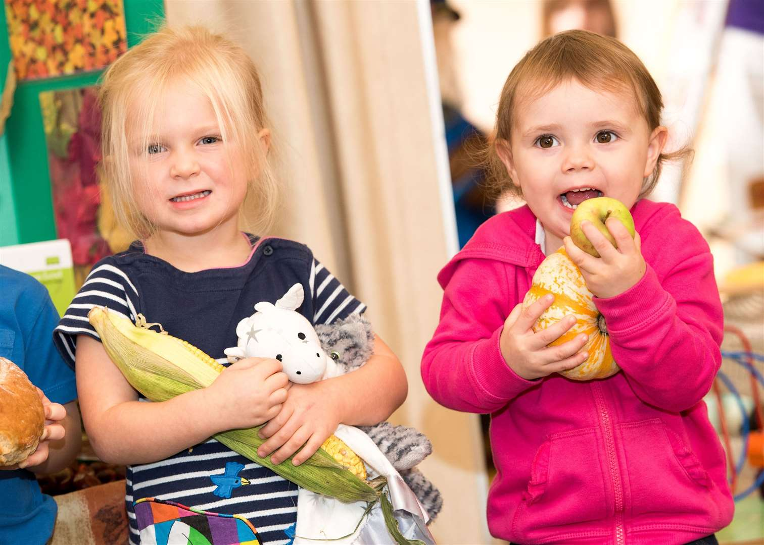 SUDBURY.Playbox pre-school, St John's Church Community Centre, York Rd, Sudbury.Children at Playbox pre-school making autumn-themed collages. Picture by Mark Westley. (18275378)