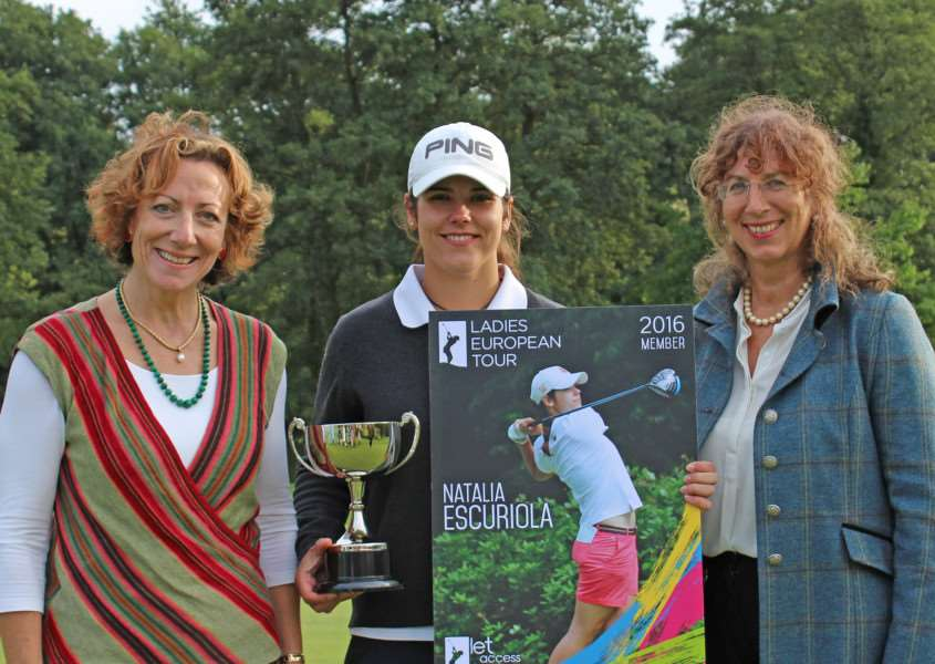 CHALLENGE SUCCESS: Stoke by Nayland owners and directors Tamara Unwin (left) and Susanna Rendall (right) with WPGA International Challenge winner Natalia Escuriola (SBN1)