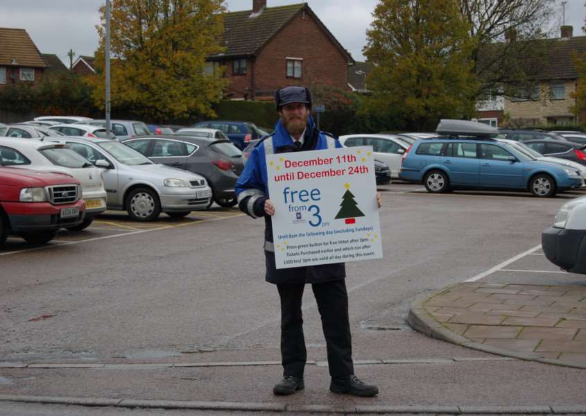 Car parking attendant Sean Rich promotes the Free from 3 parking offer in Haverhil's borough council managed car parks. Picture: Mark Beaumont ANL-150212-093058001