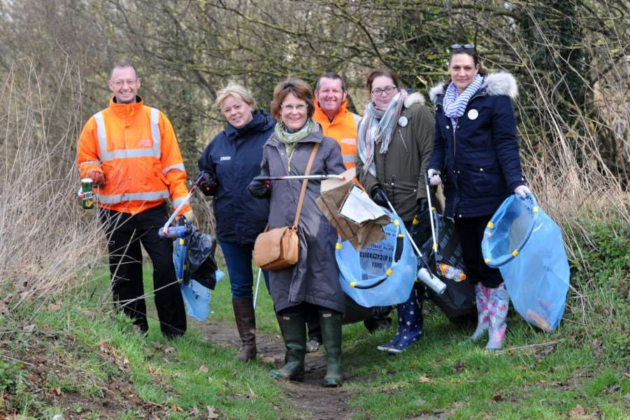 St Edmundsbury Mayor was helping with a Great British Spring Clean litter pick along the River Lark''Pictured: Andrew Harvey (Water Advisor for the Council), Lynda Osborn (Tesco Community Champion), Mayor Julia Wakelam, Andy Hobbs (Waste Development Officer at the Council), Michelle Snelling (Grocery Manager at Tesco) and Rachel Aylott (Personnel Manager at Tesco)