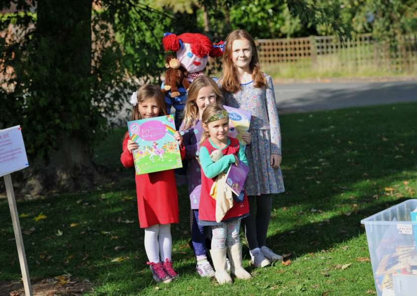 Barrow scarecrow festival''Pictured: Lottie Gordan (3), Connie Gordan (5), Harriet Tovey (5) and Jessica Tovey (8) ANL-150927-190557009
