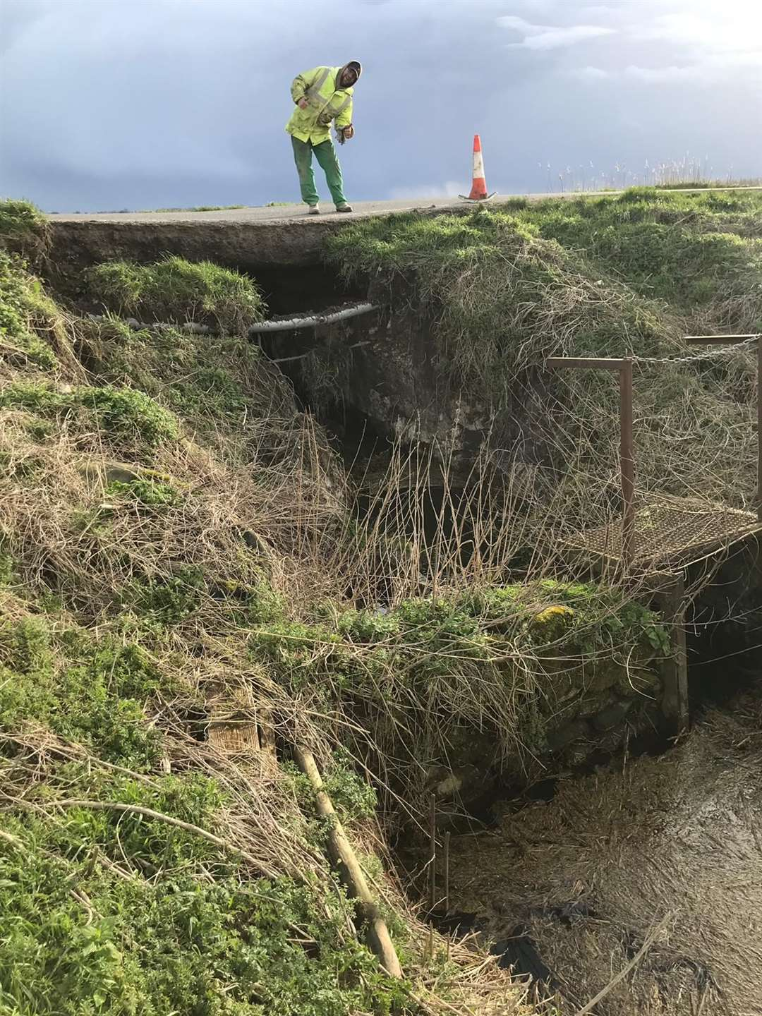 Farthing Drove in Sedge Fen will be closed for 45 weeks after a culvert collapsed. (30598343)