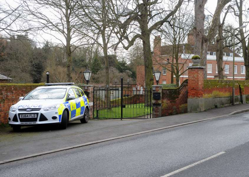 Two burglars shot a man in his home in Sible Hedingham ANL-160702-211456009