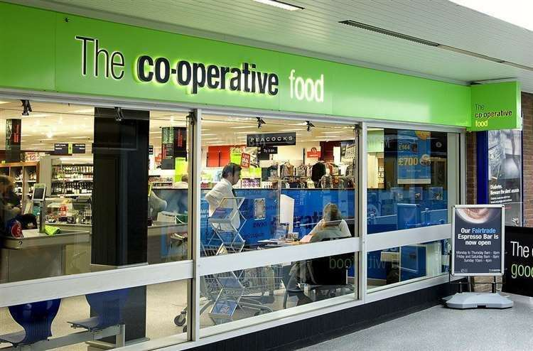 The Co-op invites the elderly to come in early (32298943)