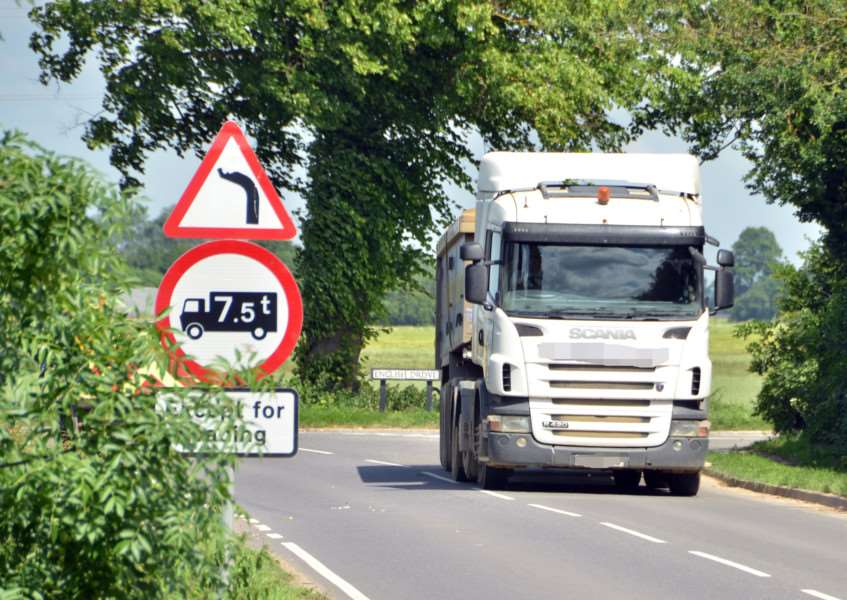 B1040 Nene Terrace (off A16), Crowland, pics of HGVs breaching 7.5 tonne weight limit,'Lorries pass signs either side of bridge